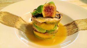 Ensalada de boquerones marinados con mango, aguacate y tapenade